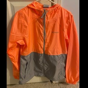 (NWT) Columbia center ridge windbreaker